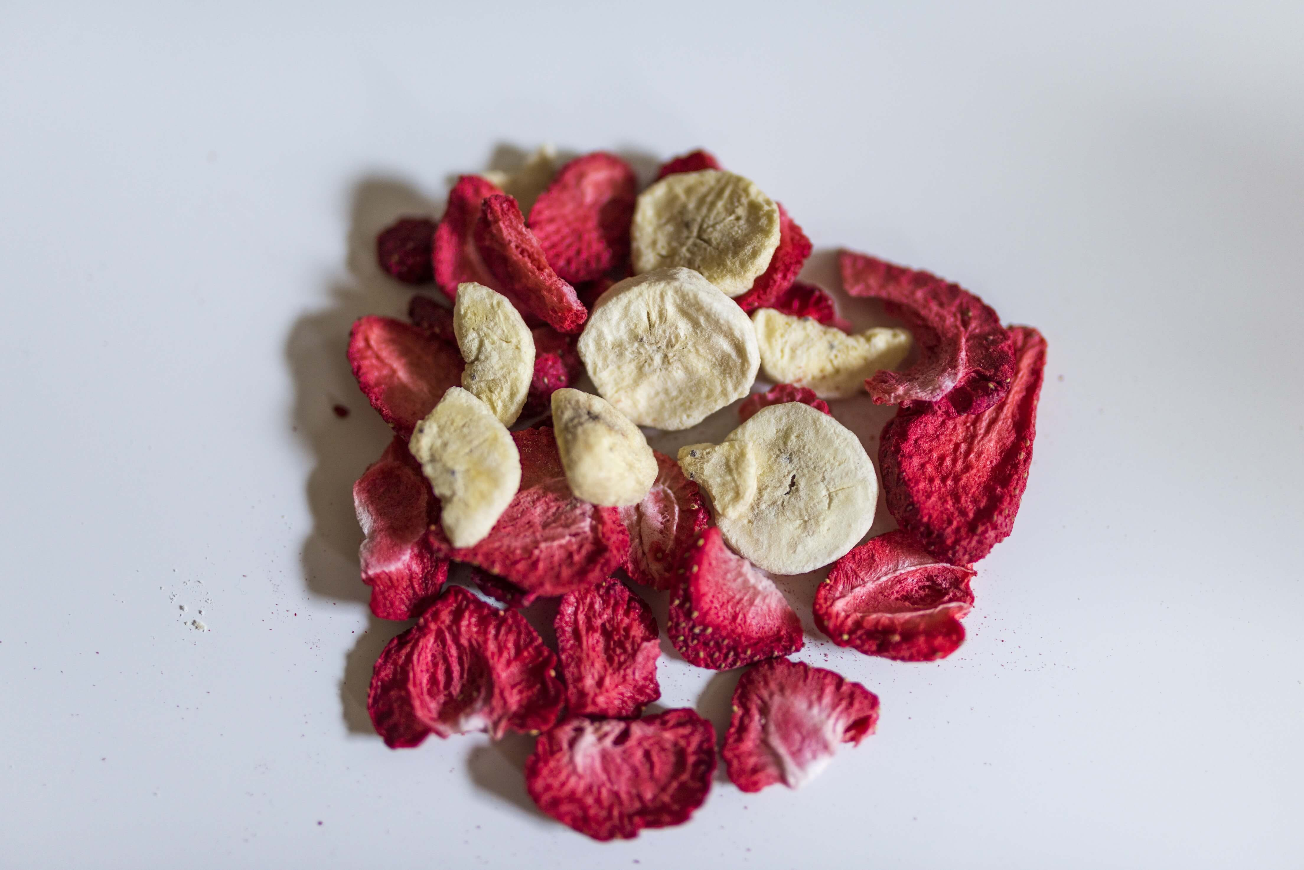 Freeze Dried Strawberry FD Banana Slices - Tobien Trading